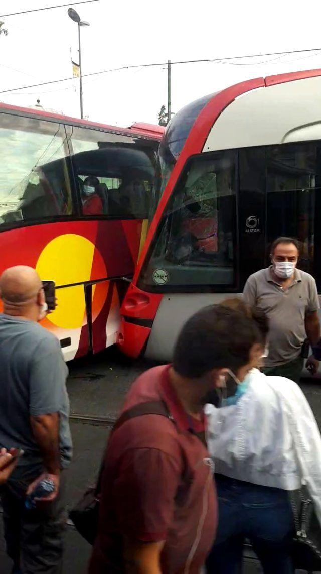 Laleli'de büyük panik yaşandı! Laleli'de tramvay ile tur otobüsü çarpıştı! - Sayfa 2