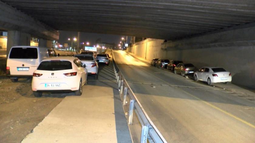 İstanbul'da dolu hazırlığı! Arabalarını korumak için köprü ve viyadük altlarına...