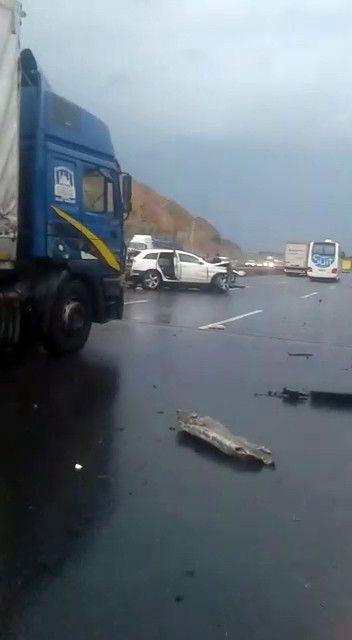 İstanbul'da korkunç kaza! Boğazına bariyer saplanan şahsın başı gövdesinden koptu - Sayfa 2