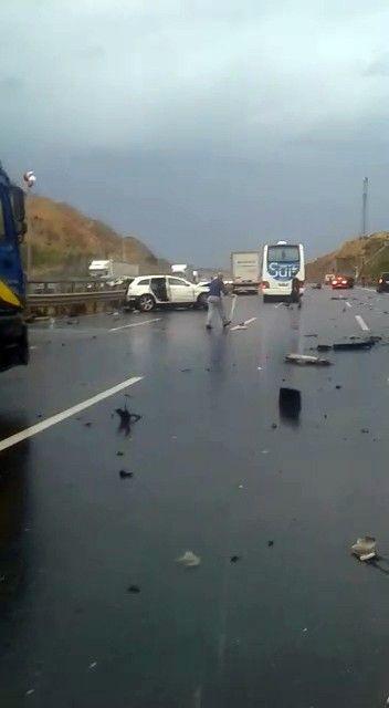 İstanbul'da korkunç kaza! Boğazına bariyer saplanan şahsın başı gövdesinden koptu - Sayfa 3