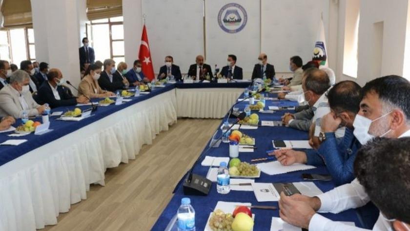 Babacan'dan HDP'lilere destek geldi