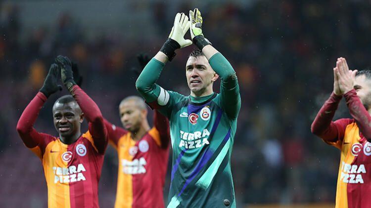 Galatasaray'da Muslera sürprizi ! Görüşmeler başladı... - Sayfa 3