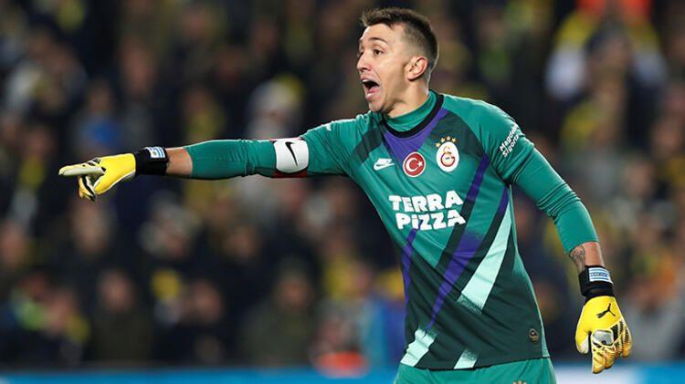 Galatasaray'da Muslera sürprizi ! Görüşmeler başladı... - Sayfa 1