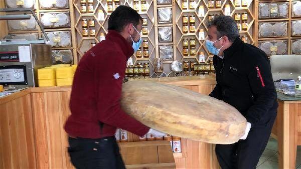 Kars'ta 100 kiloluk dev gravyer peyniri değeri dudak uçuklattı! - Sayfa 3