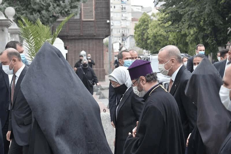 Cumhurbaşkanı Erdoğan Markar Esayan'ın cenaze töreninde - Sayfa 3