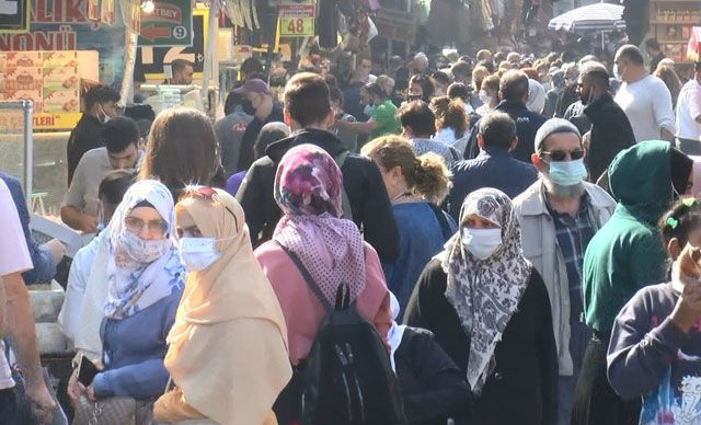 İstanbullular hafta sonunda sokağa döküldü - Sayfa 1