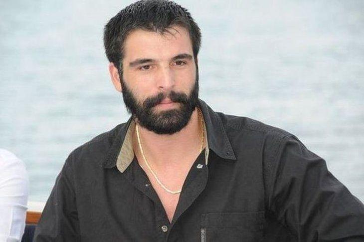 Mehmet Akif Alakurt'tan yine skandal paylaşım! İçki içip araç kullandı... - Sayfa 1