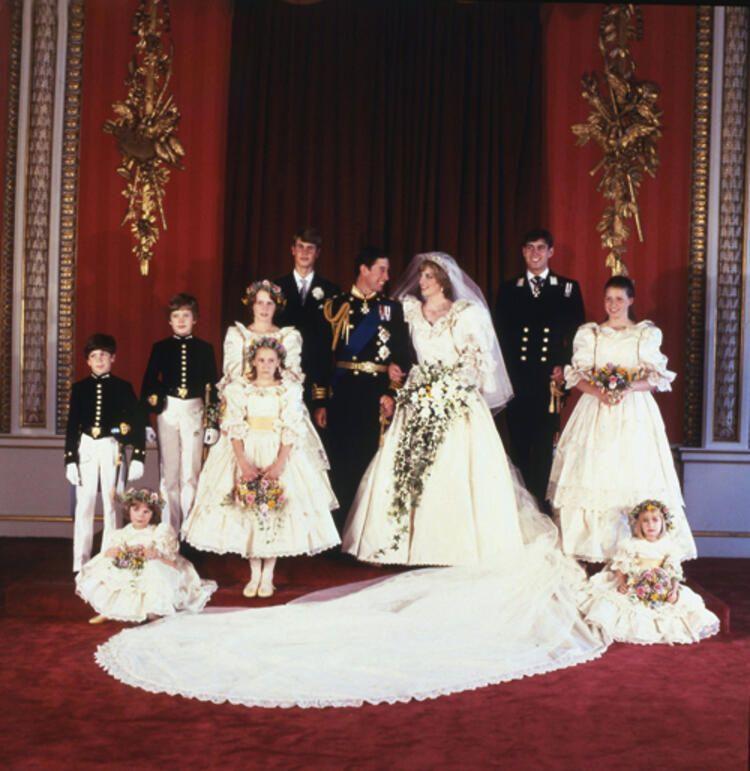 Prens Charles yıkıcı gerçeği Diana'ya düğünden bir gece önce söylemiş - Sayfa 3