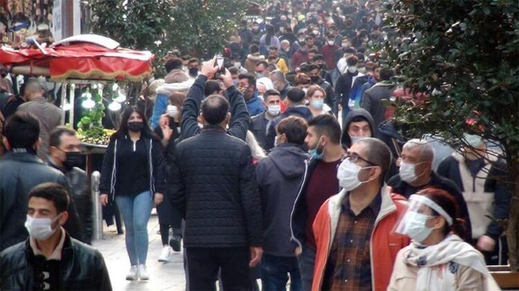 İstanbul İstiklal Caddesi'nden gelen görüntüler korkuttu! Pandemi yok sayıldı! - Sayfa 1