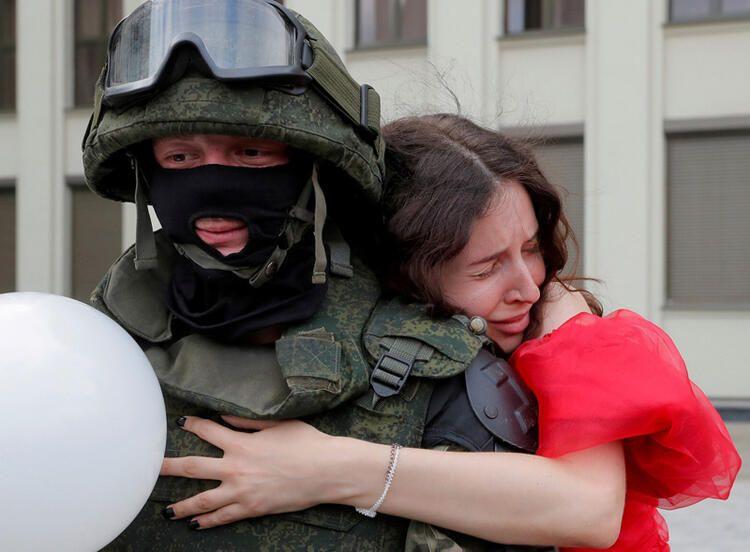 Reuters 2020'nin fotoğraflarını seçti! İşte yıla damga vuran Türk hemşire... - Sayfa 4