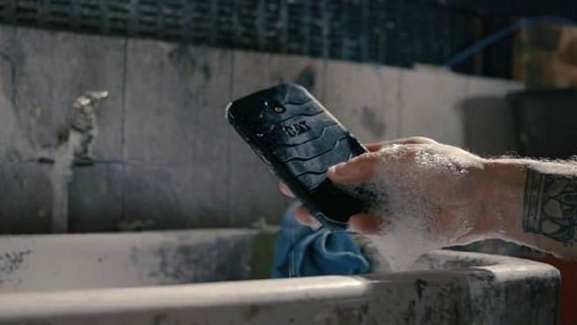 İşte dünyanın ilk anti bakteriyel telefonu !