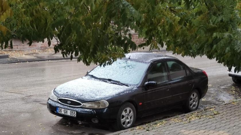Başkent'te mevsimin ilk karı yağdı