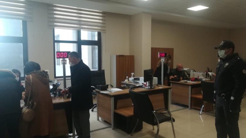KPSS adaylarını polisler sınava yetiştirdi