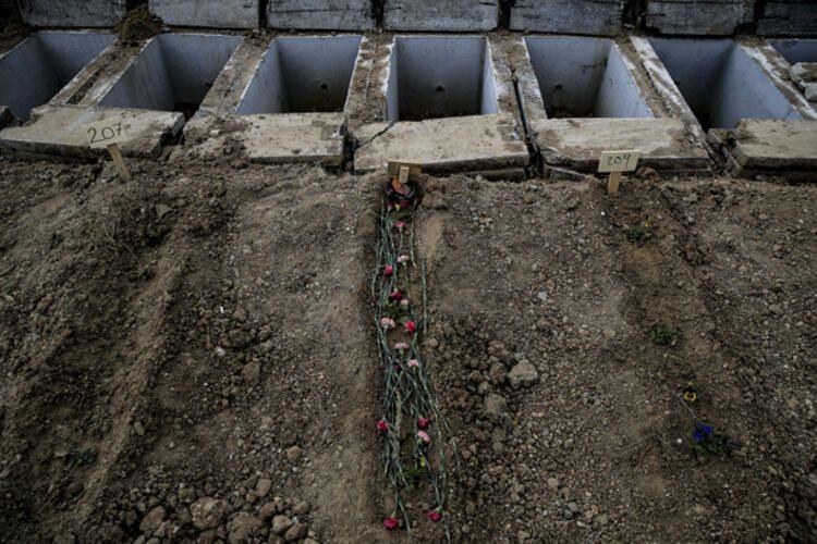 Ankara'da korona virüsten ölenler bu mezarlığa gömülüyor! İşte tüyler ürperten manzara - Sayfa 4