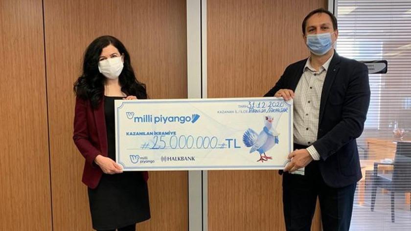 Milli Piyango talihlisi 25 milyonluk çekini teslim aldı