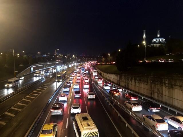 56 saatlik kısıtlama sonrası İstanbul'da trafik yoğunluğu - Sayfa 2