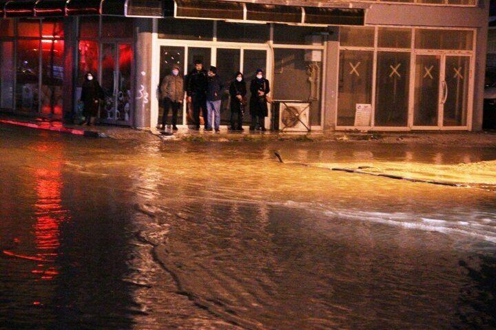 Manisa'da sağanak yağış cadde ve sokakları göle çevirdi! - Sayfa 2