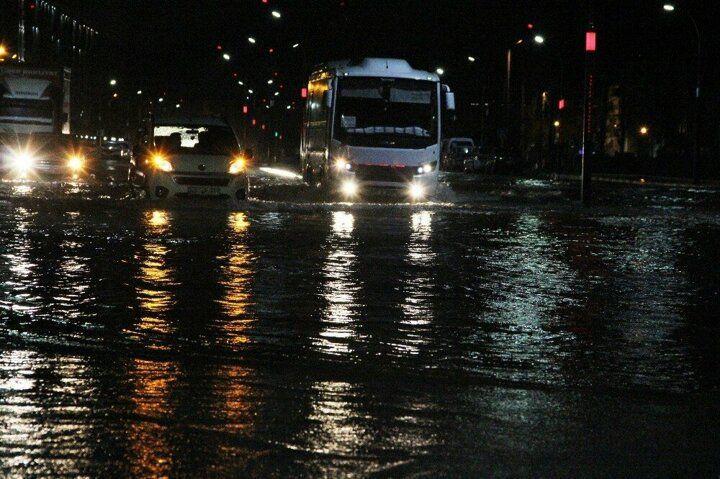 Manisa'da sağanak yağış cadde ve sokakları göle çevirdi! - Sayfa 3