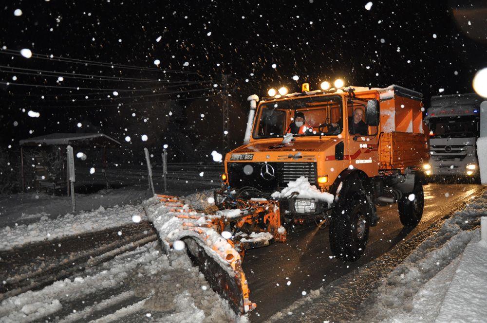 Sivas-Kayseri karayolunda 8 araç yoğun kar yağışı nedeniyle mahsur kaldı - Sayfa 4