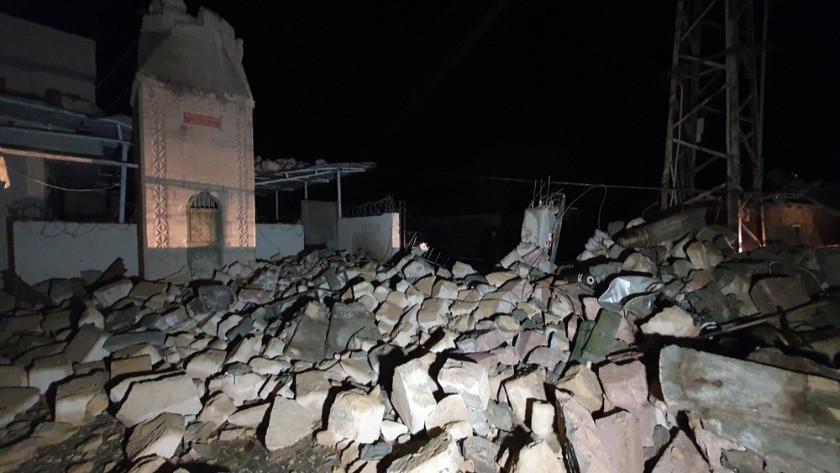 Adana'da sağanak yağış ve kuvvetli rüzgar caminin minaresi yıktı!