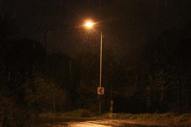 İstanbul'da lapa lapa kar yağışı! 15 Ocak İstanbul hava durumu - Sayfa 2