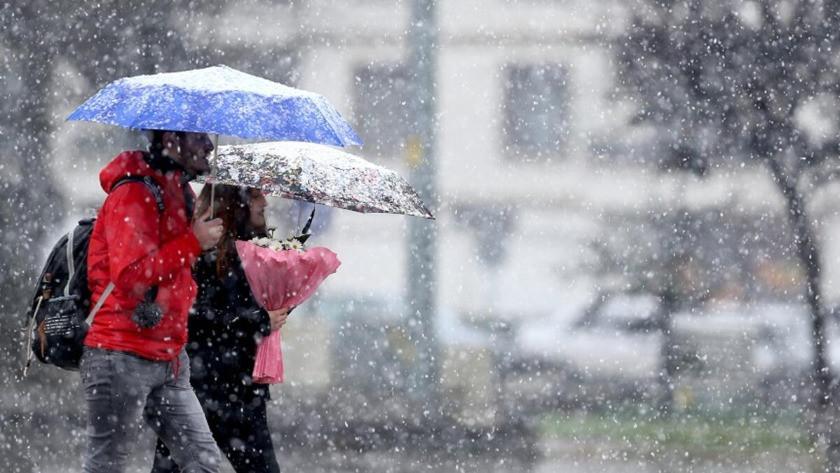 O illerde yayaşayanlar dikkat! Meteoroloji'den Yoğun kar uyarısı | 18 Ocak 2021