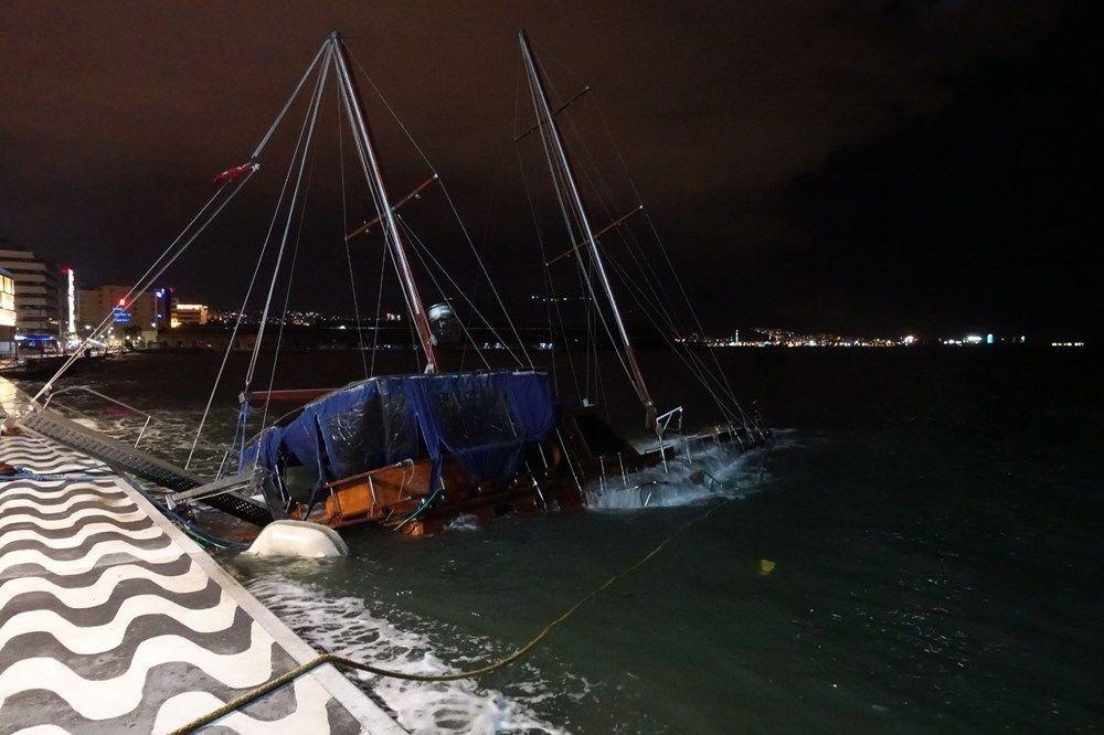 İzmir'de fırtına kabusu geri döndü! Ağaçlar devrildi, tekne yan yattı - Sayfa 4