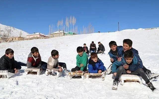 Yoğun kar yağışı yüz yüze eğitimi aksatıyor! Hangi illerde okullar tatil oldu? - Sayfa 2