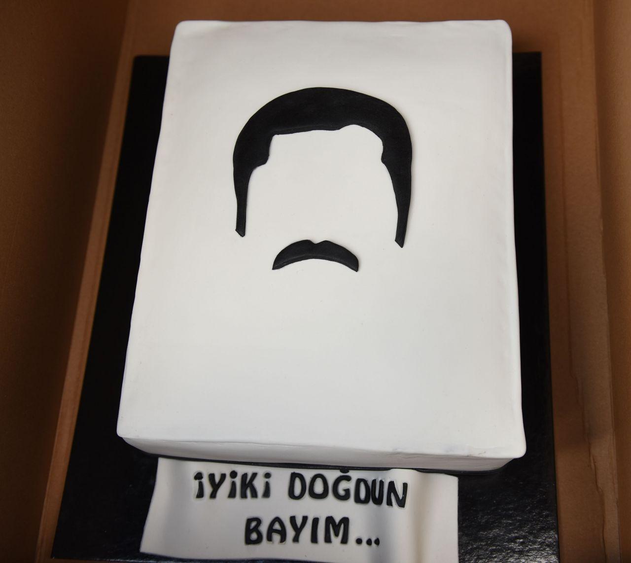Maraşlı'nın başrol oyuncusu Burak Deniz'e doğum günü sürprizi - Sayfa 2