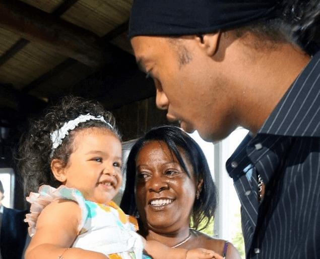 Ronaldinho'nun annesi koronavirüse yenik düştü - Sayfa 4