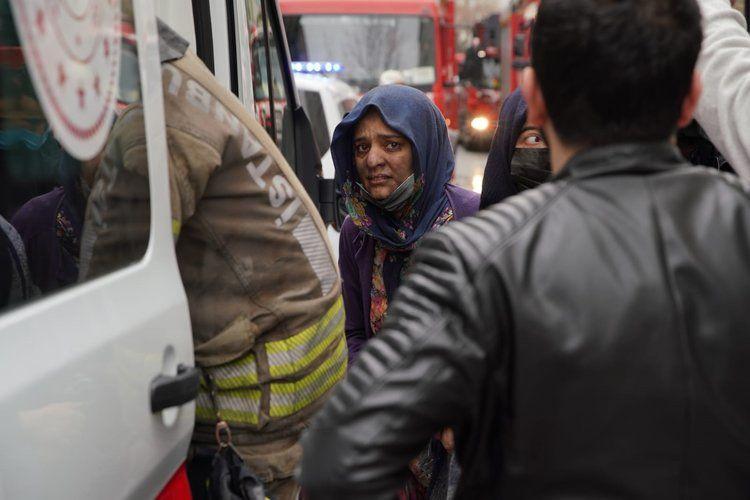 Çocukları cam'dan attılar... Esenlerde yangında can pazarı kamerada! - Sayfa 4