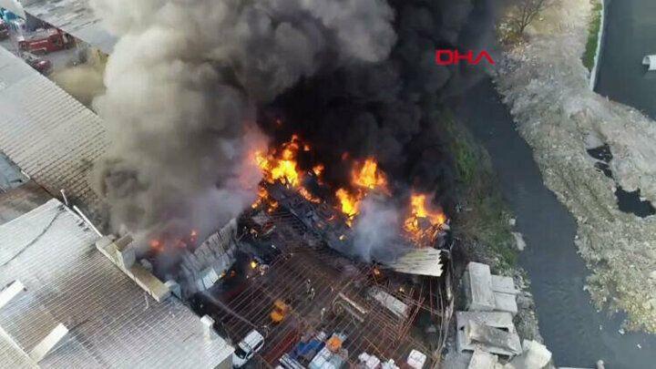 İstanbul Halkalı'da bir iş yerinde yangın çıktı - Sayfa 2