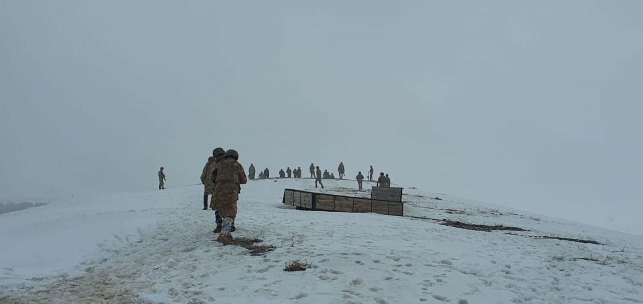 Bitlis'te askeri helikopter düştü: 8. Kolordu Komutanı dahil 11 şehit, 2 asker yaralı İlk görüntüler - Sayfa 1