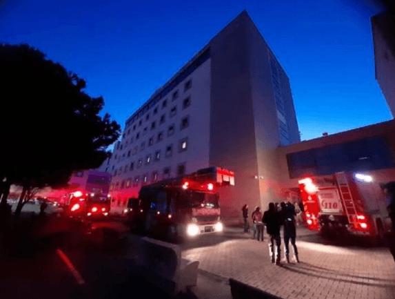 İstanbul Üsküdar'da hastanede yangın çıktı ! - Sayfa 1