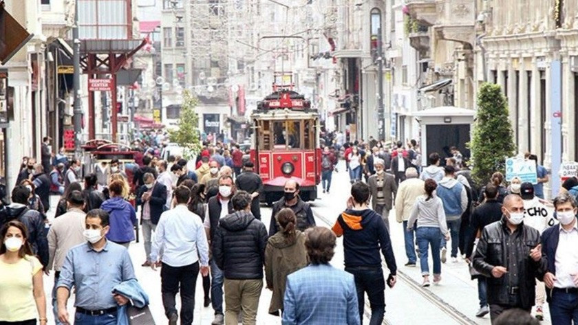 Korkulan oldu! İstanbul'da vaka artışı alarm veriyor! 3. dalgaya girildi