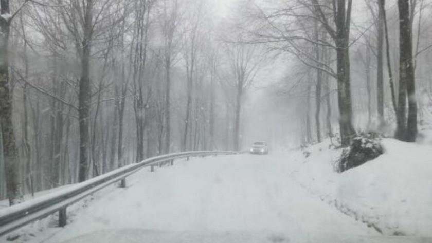 Kocaeli Kartepe'de kar kalınlığı 50 santimetreye ulaştı