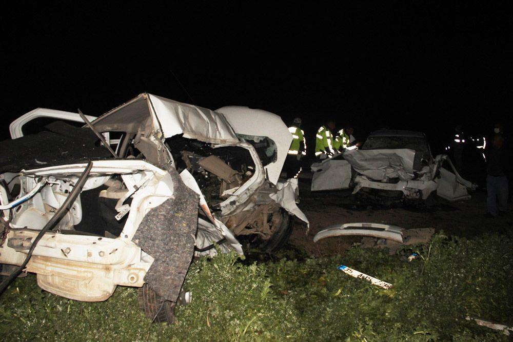 Şanlıurfa'da iki otomobilin çarpışması sonucu katliam gibi kaza: 5 ölü, 1 yaralı!  video - Sayfa 2