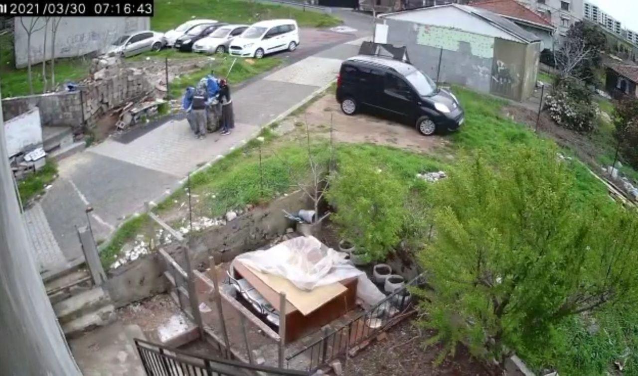 Maltepe'de kağıt toplayıcılarının hırsızlık yaptığı anlar kamerada! izle - Sayfa 1