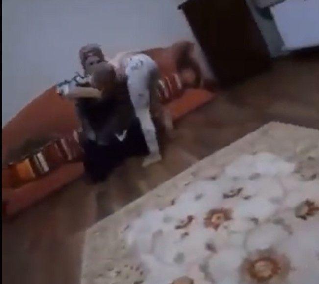 Kızını feci şekilde döven, şiddet görüntüleri sosyal medyada gündem annenin ceza belli oldu! video - Sayfa 3