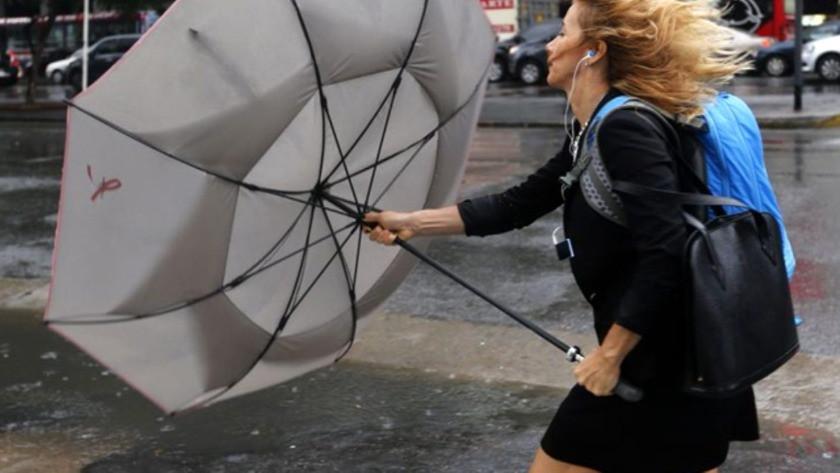Meteoroloji'den kuvvetli rüzgar ve sağanak yağmur uyarısı! 5 Nisan 2021 yurtta hava durumu
