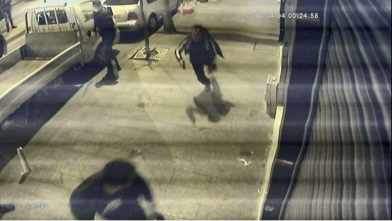 Döner bıçağıyla saldıran genci tabancayla vurdu - Sayfa 2