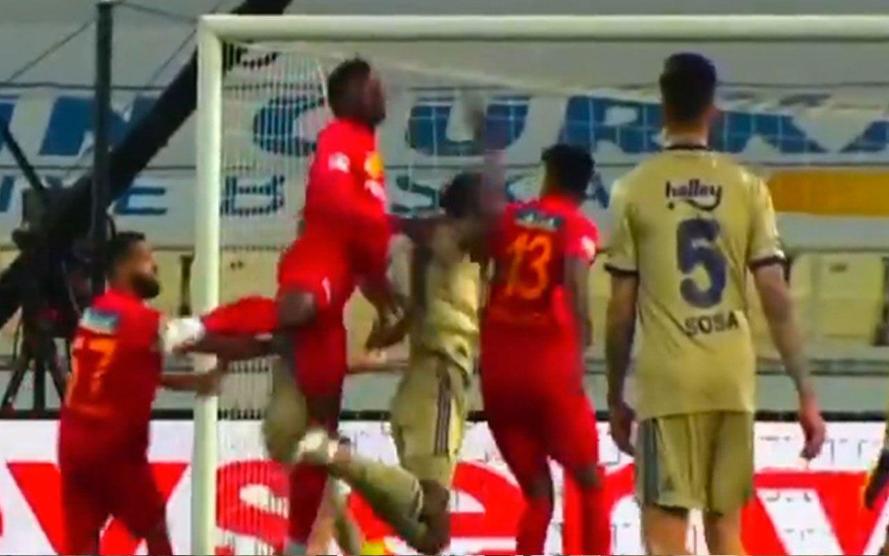 Malatyaspor - Fenerbahçe maçının son dakikasında penaltı krizi - Sayfa 1