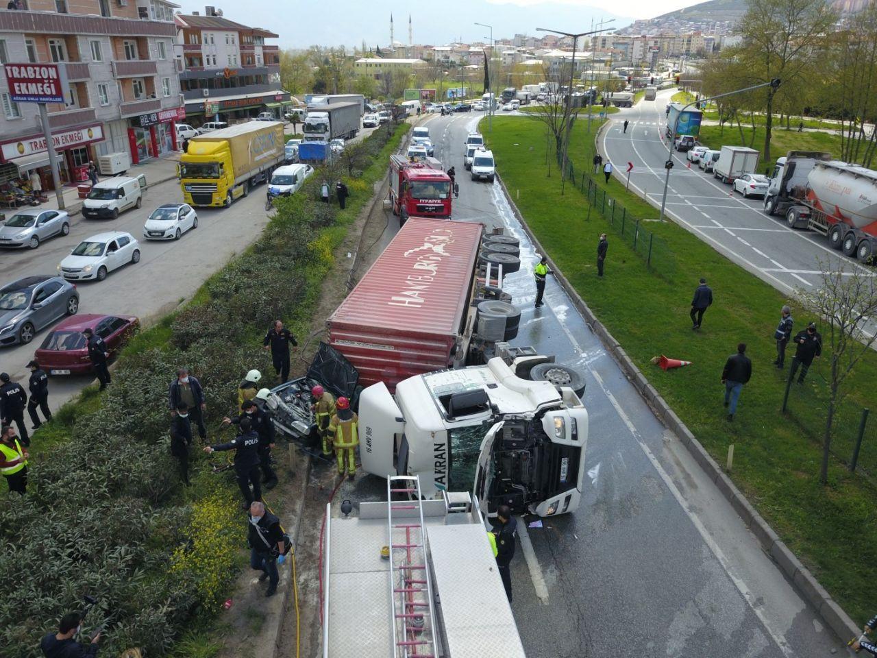 Bursa'nın Orhangazi ilçesinde tır faciası işte böyle yaşandı! Ölü ve yaralılar var video - Sayfa 4