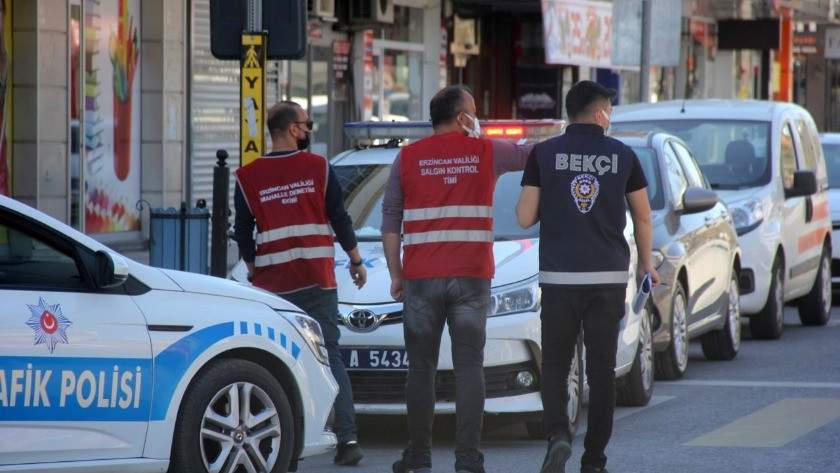 Karantinada olması gereken 5 kişi sokakta yakalandı!