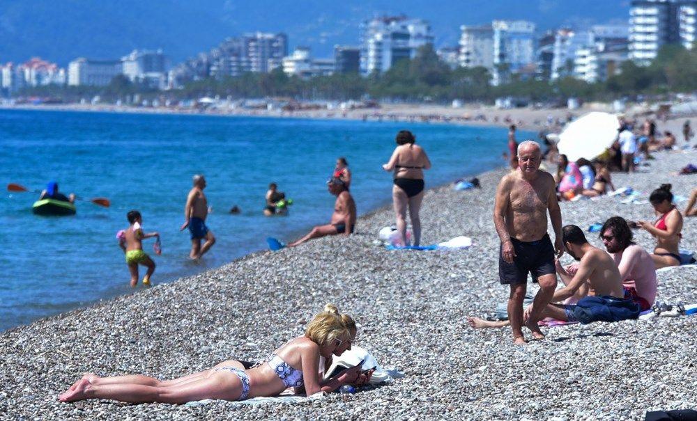Tam kapanma öncesi Antalya'da sahillerde yoğunluk - Sayfa 2