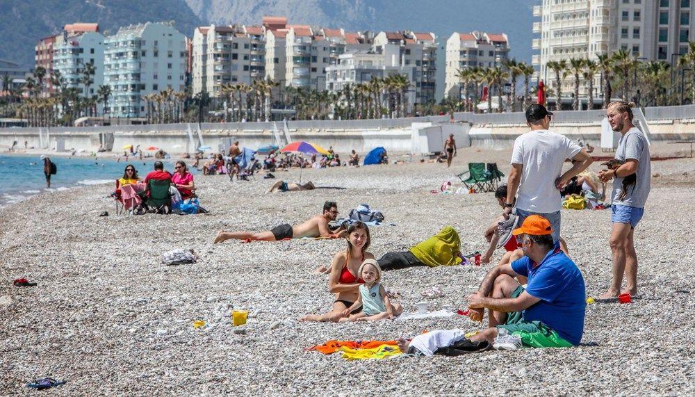 Tam kapanma öncesi Antalya'da sahillerde yoğunluk - Sayfa 3