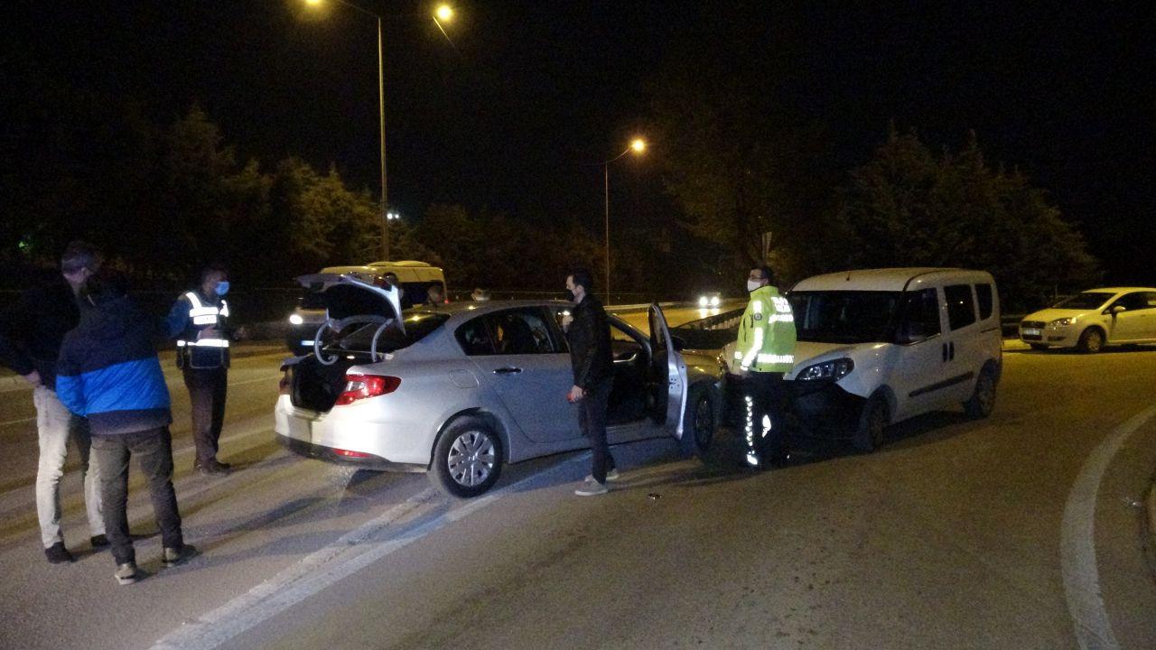 Kısıtlamada uyuşturucu partisi polis aracına çarpınca bitti! video izle - Sayfa 1