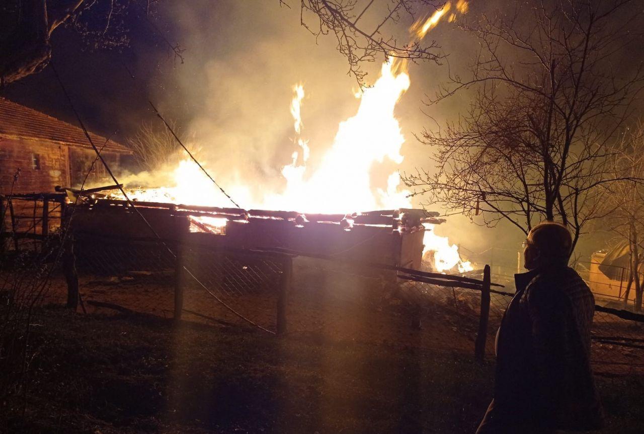 Kastamonu'da yanan 4 evde anne ve kızı feci şekilde can verdi! video - Sayfa 4