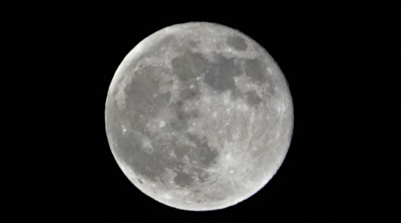 Van'da yılın ilk 'Süper Ay'ı gökyüzünde görsel şölen oluşturdu! - Sayfa 1