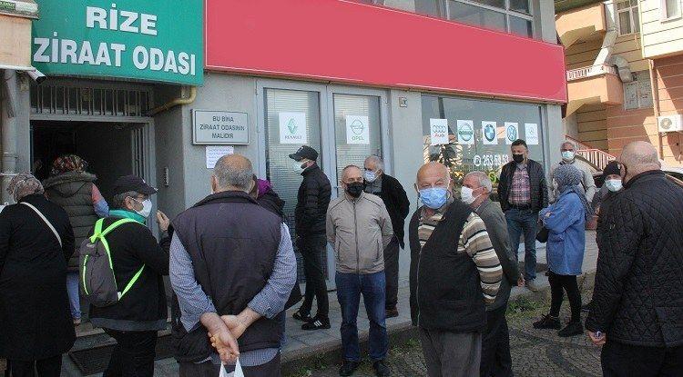 Ziraat Bankası önünde 'çiftçi belgesi' kuyruğu - Sayfa 3